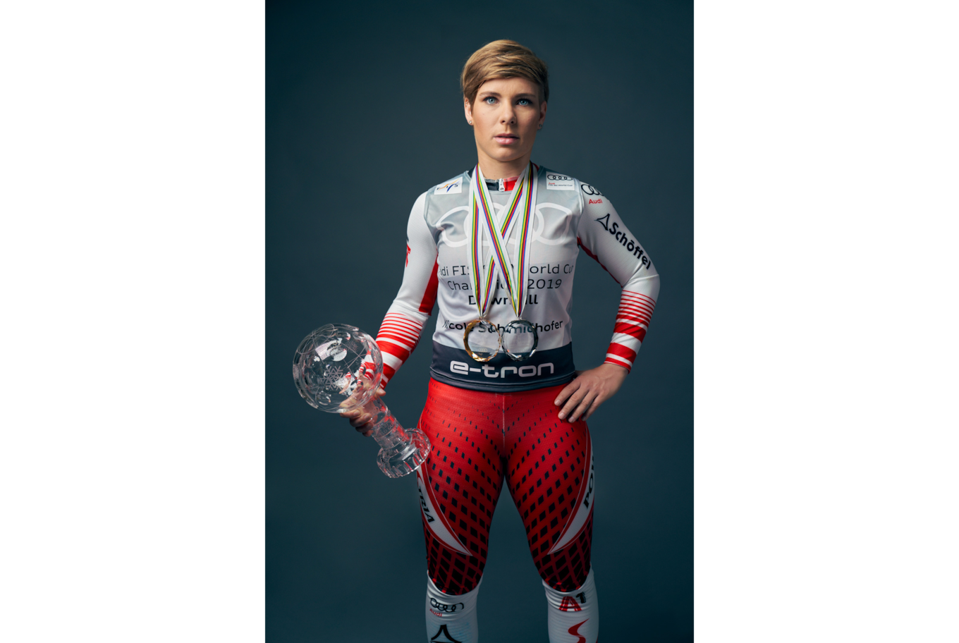daniel gossmann sony alpha 7RM3 olympic athlete posing formally with trophy
