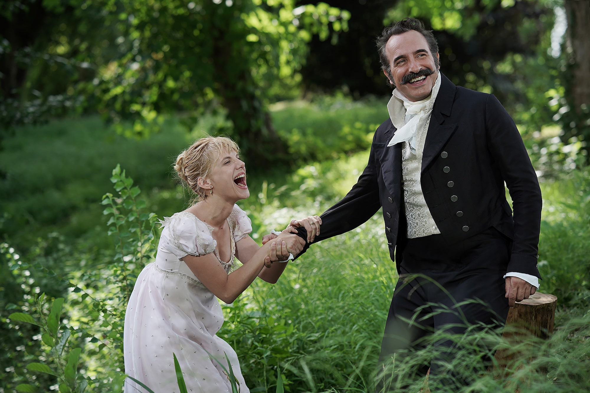 Christophe Brachet Sony Alpha 9 jean dujardin and melanie laurent laughing in a break between filming takes