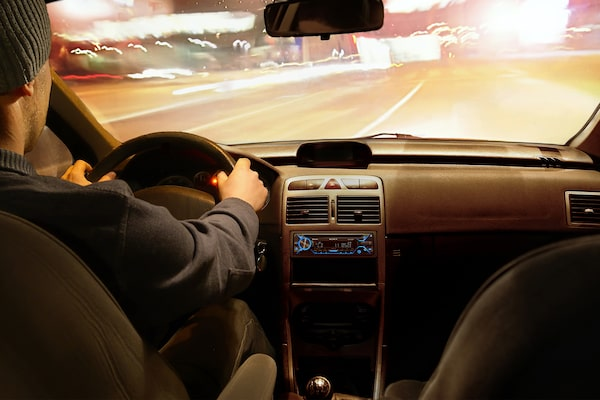 Image of person driving with N4200BT in view