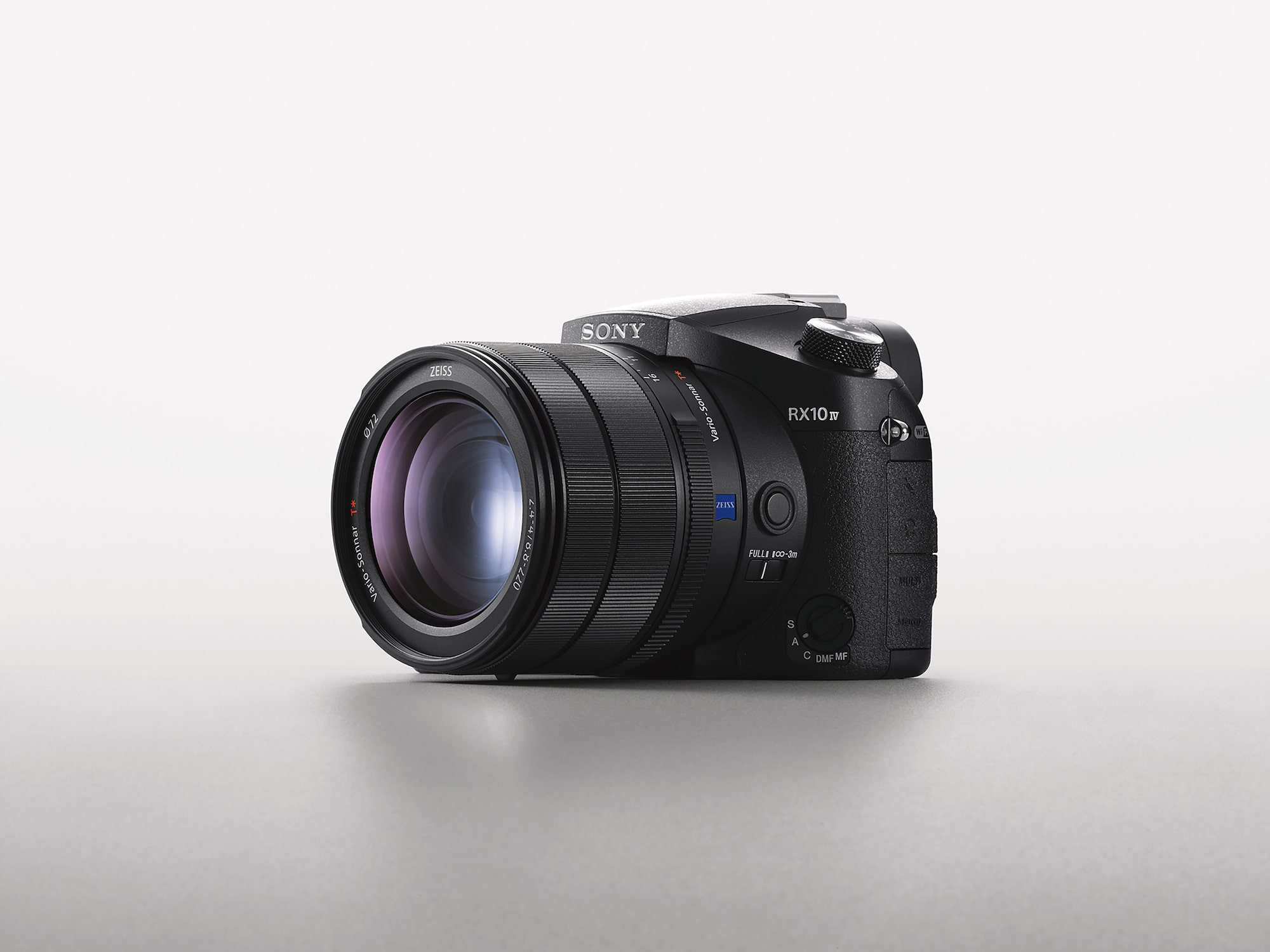 Sony RX10IV side on