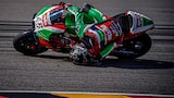 alex-farinelli-sony-alpha-9-motorcyclist-leans-over-on-a-corner-with-his-head-touching-the-tarmac