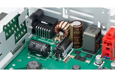 Receiver power block and electrolytic capacitors