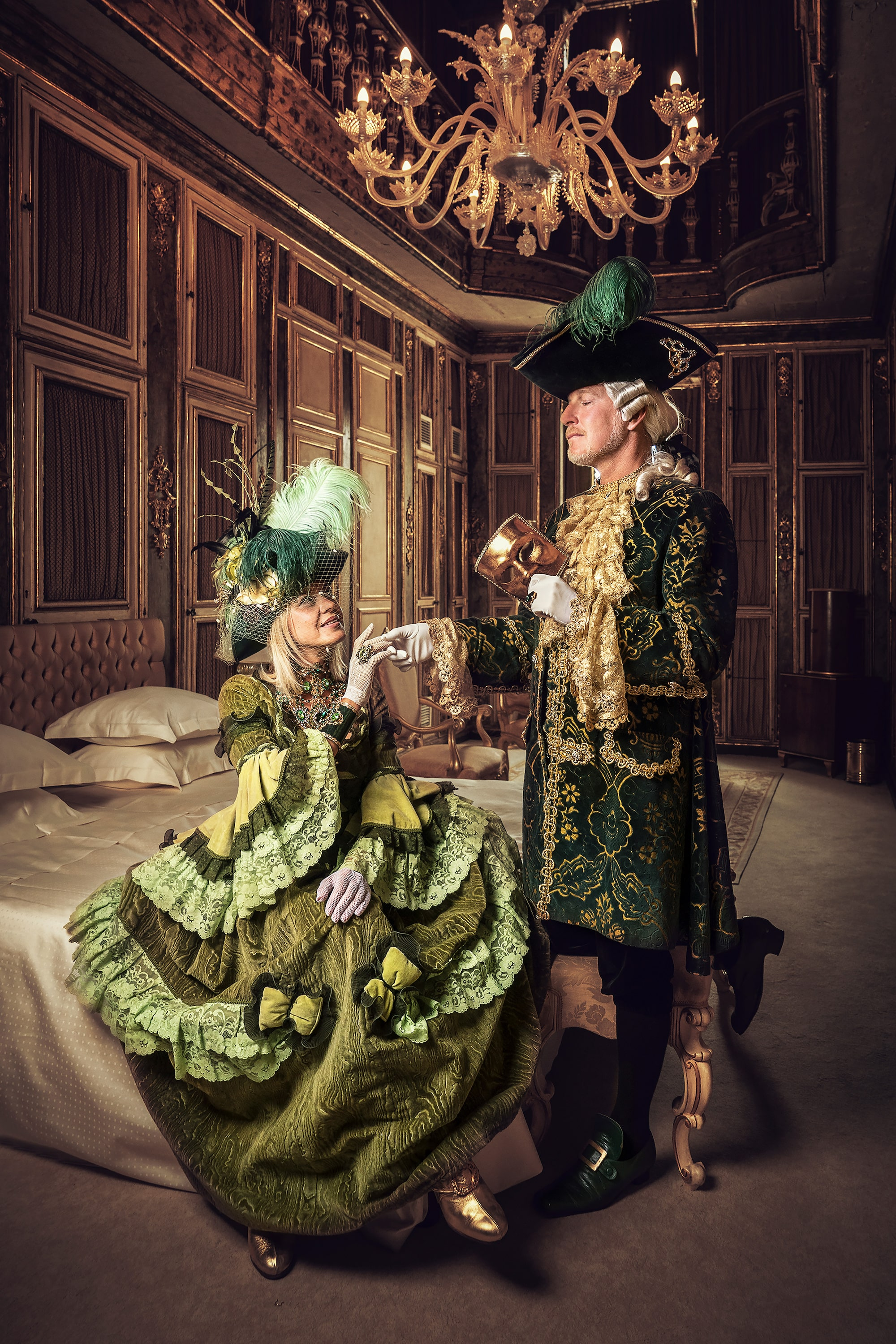 mathias kniepeiss sony alpha 7RIII man and woman in green costume with the man holding the ladys hand